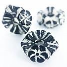 Kunststof kraal ring met bloemen 17mm rond zwart wit