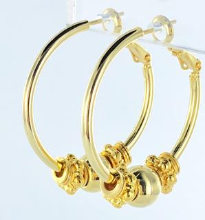 Vergulde oorbellen, creolen met gesloten ringen