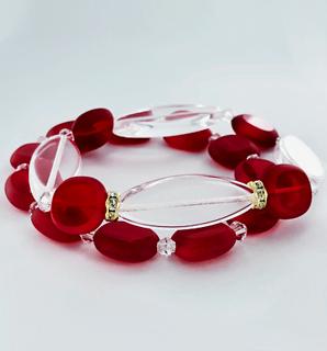 Vintage rode glaskralen met Swarovski