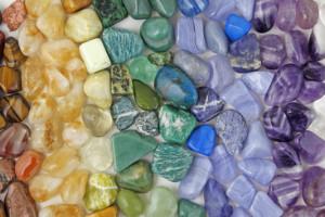 stenen oorbellen